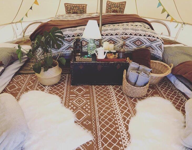 ニセココテージボンゴ広場のテント客室のインテリア