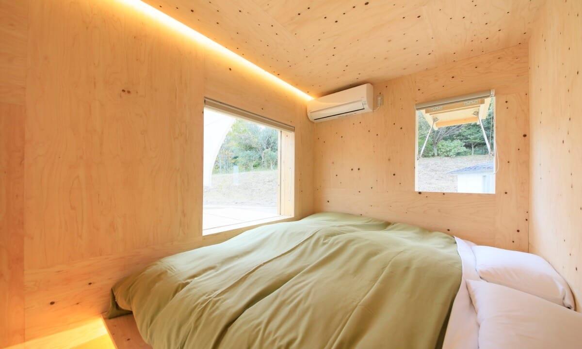 ゆとりろグランピングガーデン熱海伊豆山 朝方のお部屋内写真