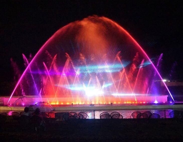 時之栖OUTDOOR HILL VILLAGE 噴水ショー | ヴェルサイユの光写真