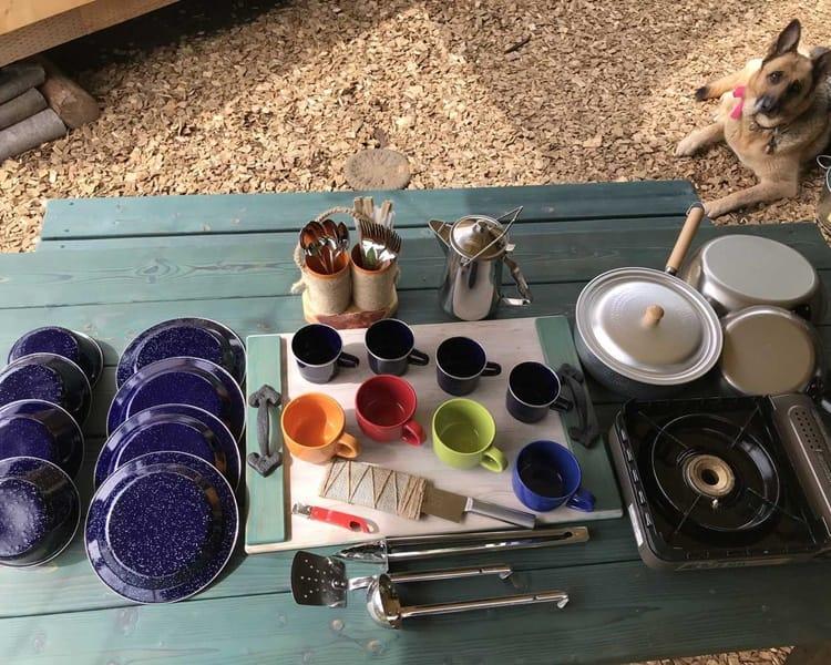 PAWS GROUNDでは人数分の食器を備えております