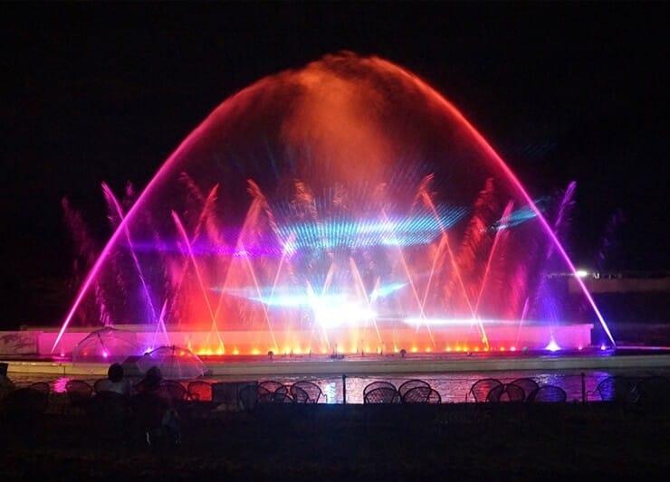 アウトドア・ヒル・ビレッジの噴水ショー