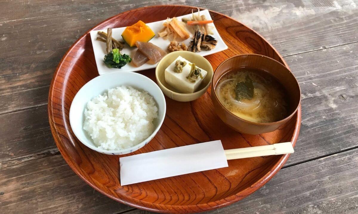 「ザランタン(The Lantown)あば村」の朝食