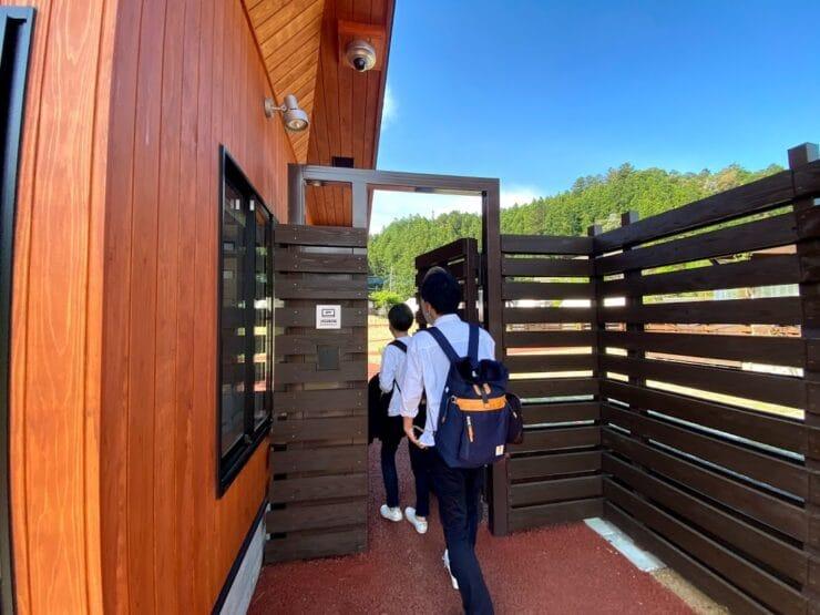 ノーラ名栗・グランピングエリアへの入口